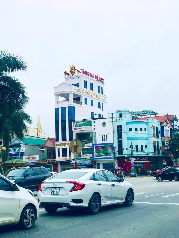 Thiết kế trang trí tiệm vàng tại TT Diễn Châu